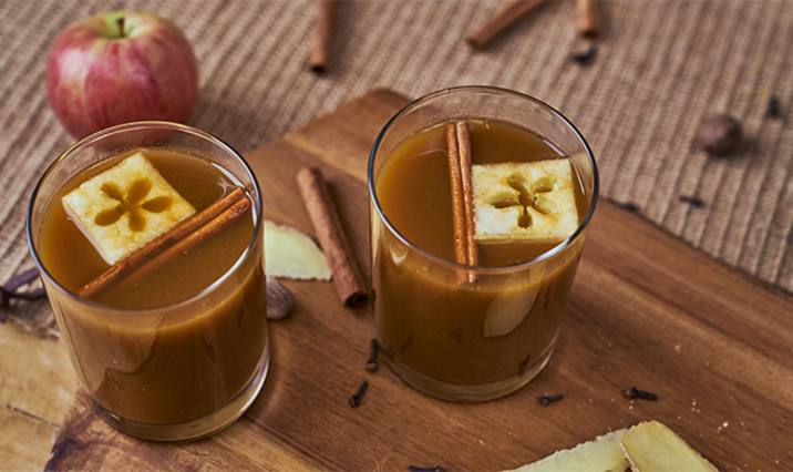 Pumpkin-spiced apple cider